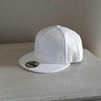 New York Yankees MLB White 59FIFTY Fitted Baseball Cap - size 7 1/4