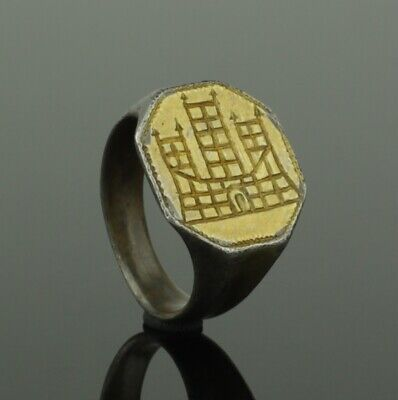 Ancient Roman Silver Gilt Ring With A Camp Gate - Circa 2Nd Century Ad