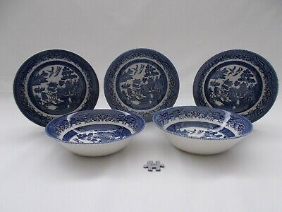 VINTAGE CERAMIC BLUE & WHITE CHURCHILL WILLOW PATTERN BOWLS DISHES x 5 - 6 INCH