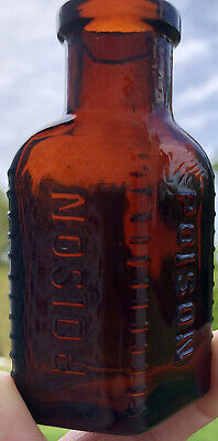 AMBER antique POISON BOTTLE embossed 3 SIDED three TRIANGULAR glass F5-67 ribbed