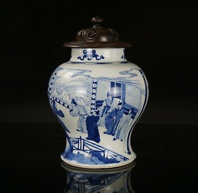 FINE! Chinese Antique Blue and White Porcelain Temple Jar & Wooden Cover KANGXI