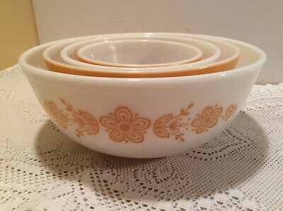 Pyrex Butterfly Gold Nesting Cinderella Mixing Bowl Set 401-402-403-404