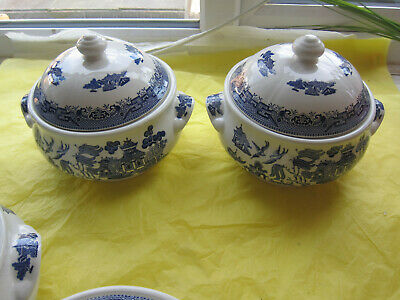 2x BLUE WILLOW CHURCHILL ROUND TUREEN VEGETABLE DISH with lids