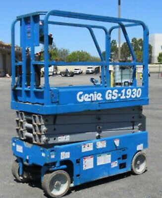 2012 Genie GS 1930 19' electric scissor lift 526 hours