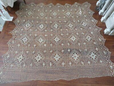 Romantic Old Antique Delicately HAND KNOTTED WOVEN LACE BEDSPREAD COVERLET