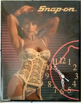 Vintage Snap On Tool Pin Up Girl Wood Wall Clock Works