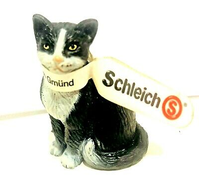 NEW STILL TAG ATTACHED Schleich Retired Black And White Cat Group D-73508 RARE