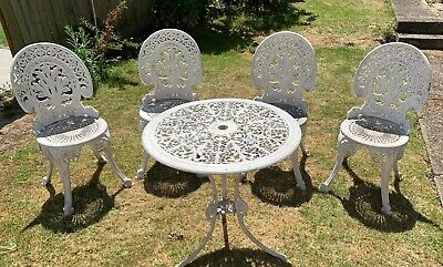 Vintage Cast Iron White Patio Table And 4  Chairs