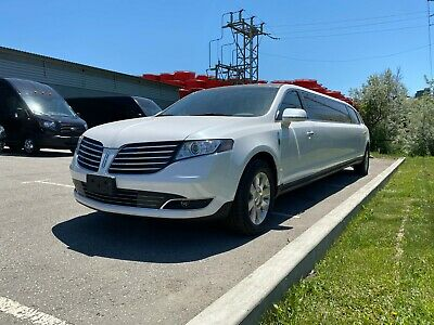 """Lincoln: MKT 2019 Lincoln MKT 120"""" Stretch Limo"""