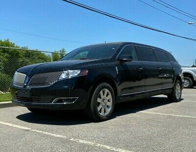 """Lincoln: MKT 2016 Lincoln MKT 44"""" Stretch Limo"""