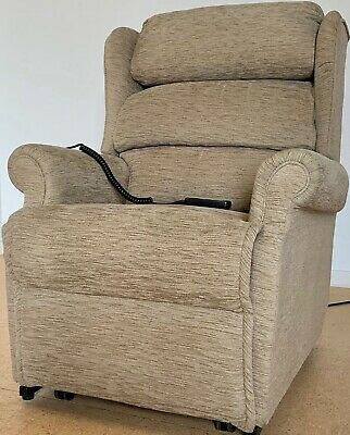 DREAM COMFORT ELECTRIC Rise and Recline Chair Leather Riser