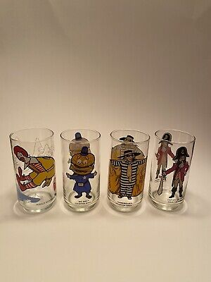 Vintage 1970s McDonalds Collector Series Glasses Set of 4 EXCELLENT CONDITION