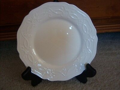 Wedgwood Traditions White Bread Butter Side Plate NWT