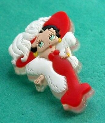 Betty Boop In White Fur & Hat Pin Cute!