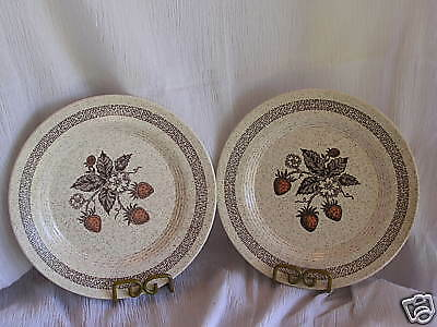 Homer Laughlin Country Strawberry L-83 2 Dinner Plates