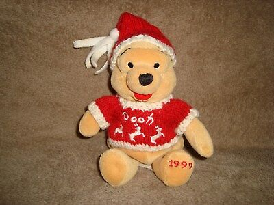 1999 Exclusive Walt Disney Company Winter Sweater Pooh Plush Beanbag