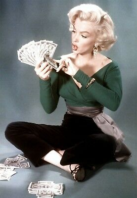 MARILYN MONROE 8x10 PICTURE COUNTING MONEY COLOR PHOTO