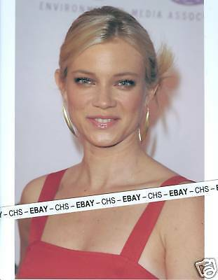 AMY SMART VERY SEXY!!! COLOR CANDID 8x10 PHOTO