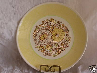 Retro Vintage Taylor Smith TST Yellow Nosegay Dinner Plate Dish Yellow Chic