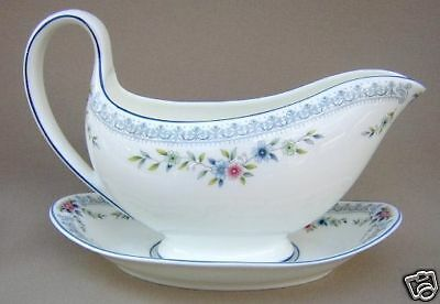 Wedgwood Rosedale Gravy Boat & Underplate (Molded Handle)