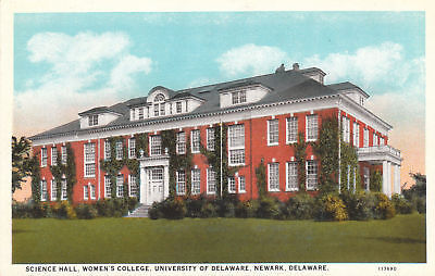 E6628 DE, Newark Univ. of Delaware Hall Postcard