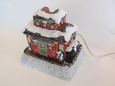 Vintage Colonial Candle Railroad Station Lighted House