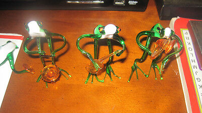 4 Murano glass frogs playing musical instruments - one broken
