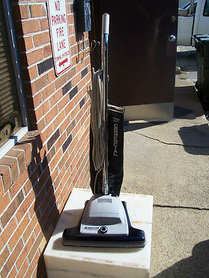 Powerline 16-A / Sanitaire Commercial Upright Vacuum With Mfg Warranty Sc899