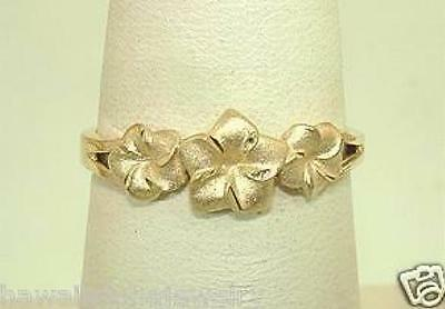 7mm-5mm Graduated Hawaiian 14k Yellow Gold Sparkly DC Plumeria Flowers Ring