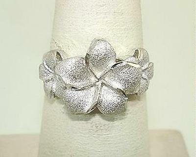 13mm-9mm Graduated Hawaiian 14k White Gold Sparkly DC Plumeria Flowers Ring