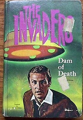 1967 Book THE INVADERS Dam of Death TV SERIES (C8337)