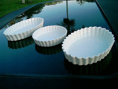 SET OF 3 PILIVITE FRANCE CASSEROLE RAMEKINS WHITE WITH SCALLOPPED EDGES REPLACE