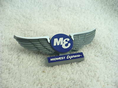 BM- VINTAGE ME MIDWEST EXPRESS WINGS (STOFFEL) PIN BACK (#9123,9124,9125)