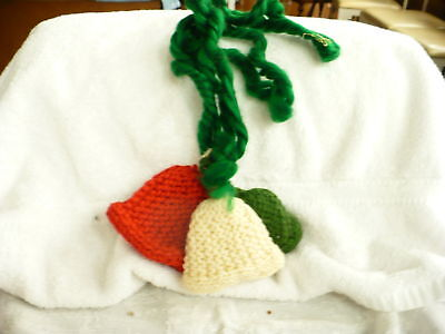 Cd-  Vintage   Christmas 3 Knitted Bells