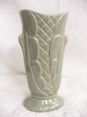 Cx-  Vintage Shawnee Pottery Vase Gray Scallops Usa