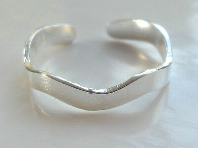 Plain Sterling Silver (925) Adjustable Wavy Toe Ring
