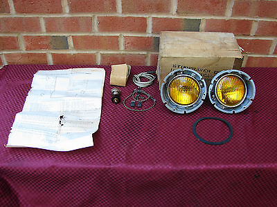 47-49 Studebaker Commander Nos Fog Lamp Kit