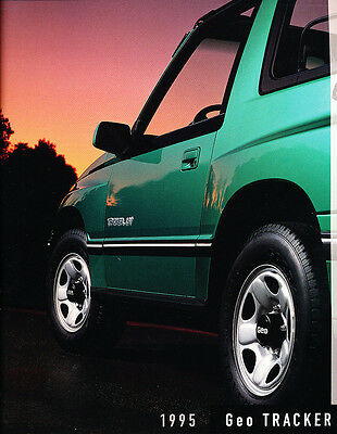 1995 Chevrolet Geo Tracker 16 Page Sales Brochure Catalog