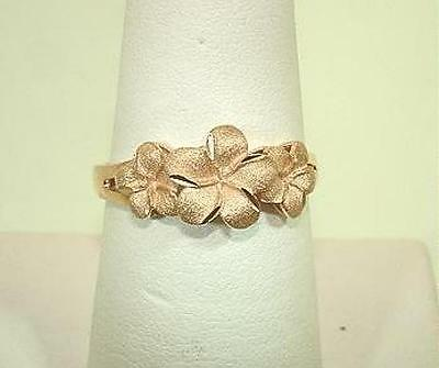 8.5-6.5mm Graduated Hawaiian 14k Rose Gold DC Matted 3 Plumeria Flower Ring