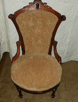Walnut Carved John Jelliff Sidechair / Parlor Chair  (SC26)