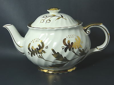 JAMES KENT / OLD FOLEY - White & Gold - TEAPOT WITH LID - 15A