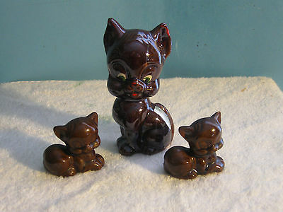 Vintage Redware Brown Cat Figurine With 2 Kittens Ca. 1950's