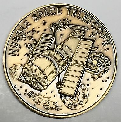 N516       Nasa  Space  Coin /  Medal,   Hubble Space Telescope