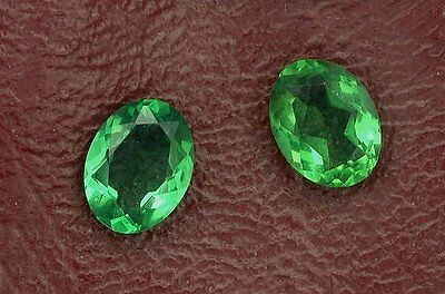 One 7x5 Oval Synthetic Emerald Gem Stone Gemstone 7mm x 5mm