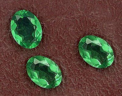 One 8x6 Oval Synthetic Emerald Gem Stone Gemstone 8mm x 6mm