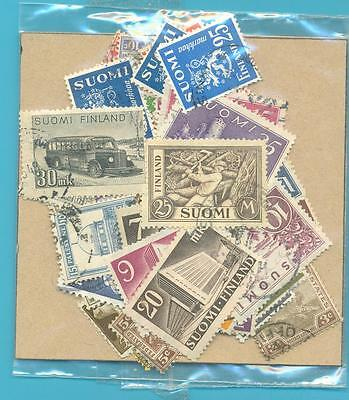A SMALL COLLECTION OF WORLD STAMPS IN PACKET.(ref.265)USED
