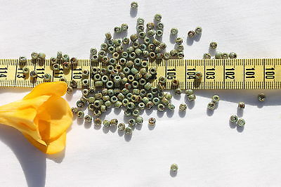 6/0 Toho Seed Beads 111-Opaque Ultra Luster Green /14 grams  #Y183