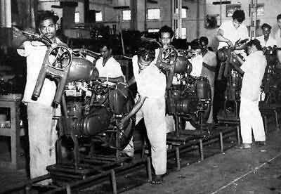 1964 1965 Royal Enfield Motorcycle Factory Photo India ua878-TZWL6T