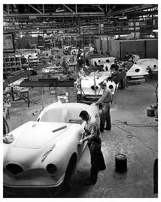 1954 Kaiser Darrin Final Assembly Line Factory Photo ub0810-KQ4YQQ