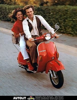 1981 Vespa Piaggio Scooter Photo Poster zc3976-2EGHQD